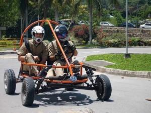 La competencia de Krazing Karts se ha convertido en la UPB en parte tradicional de su celebración. (FOTO Suministrada)