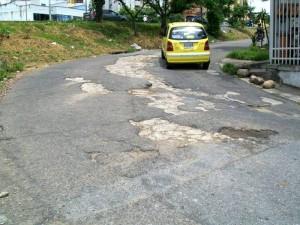 Esta es una muestra del estado de la malla vial por la zona.
