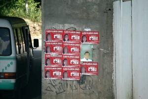 En el puente vehicular de Cañaveral se aprecia propaganda no autorizada por ser estructura del Estado. (FOTOS Mauricio Betancourt)