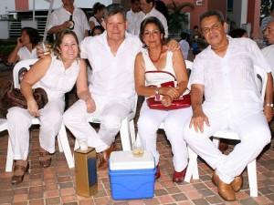 Martha González, Adolfo González, Teresa de Salas y Hernando Salas. (FOTOS Mauricio Betancourt)