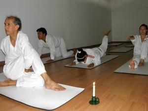 El yoga  es disciplina que combina la parte física, emocional y espiritual. (FOTOS Javier Gutiérrez)