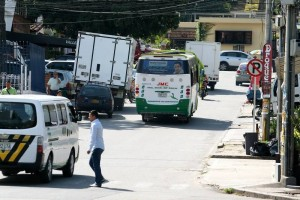 A partir de este lunes 5 de septiembre la carrera 25 de Cañaveral estará cerrada por trabajos de Empas. (FOTO Mauricio Betancourt)