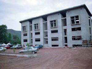 Durante la construcción de los primeros edificios en la actual sede. (FOTO Archivo)