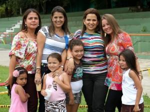 Gabriela Rivero, María José Granados, Daniela Rivero, Ana María Niño, Mónica Duarte, Andrea Blanco, Erika Moreno y Marcela Prada. (FOTOS Nelson Díaz)