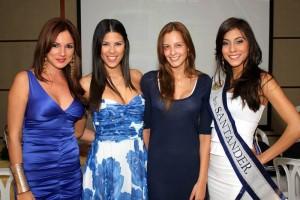Silvia Becerra, Laura Patiño, Laura Acuña y Andrea Liseth Tavera Sanabria.