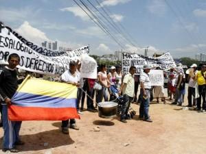 Los vendedores protestaron a las 10 a. m. del pasado miércoles.  (FOTO Marco Valencia)