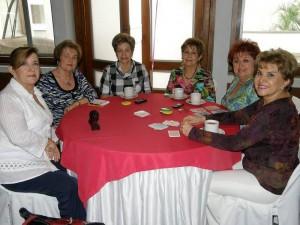Pilar de Daza, Mercedes de Ruiz, Nubia de Ribero, Alba Luz Daza, Azucena de Vanegas y Esperanza de Moreno.