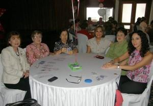 Lucila Reyes de Millán, Blanca de Escobar, Marina de Castillo, Betty Cote de Gamboa, Eugenia Prada y Katherine Gamboa.