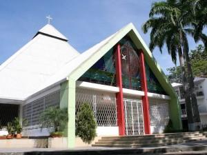 Así luce en la actualidad la parroquia Santa María Reina de Cañaveral. (FOTO Mauricio Betancourt)