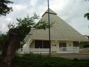 Esta era la imagen de la Iglesia antes de su reestructuración. Su fiesta patronal se celebra el 22 de agosto. (FOTO Archivo)