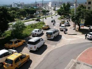 Este es el semáforo que fue reparado por  la DTF y fue revisado para evitar daños futuros. (FOTO Mauricio Betancourt)
