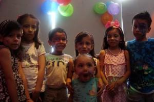 Isabela Cepeda, Gabriela Jaimes, Juan José Ramírez, la homenajeada, Valentina Gómez, Rafael Hernández y la pequeña Valentina Lambis. (FOTO Suministrada)