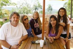 Leonardo Maichel, Carolina Mantilla, Valeria Maichel, Patricia Duarte y María José Barrera.
