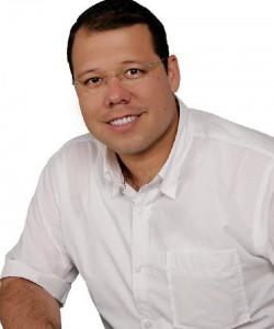 Carlos Roberto Ávila.