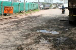 Así luce la vía entre el sector de Lagos y el colegio Panamericano