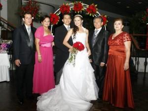 Elkin Flórez, Regina de  Flórez, Ricardo Velásquez, Shirley Mantilla, Jorge Velásquez y Miriam Sofía Puente de Velásquez.