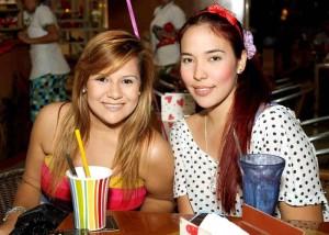 Katherine Ortiz y Sheila Peña.
