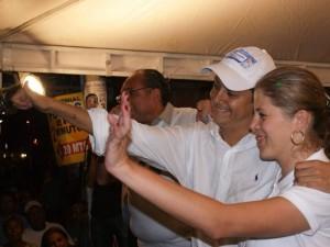 El alcalde de Floridablanca Néstor Fernando Díaz y su esposa María Mercedes Muñoz.
