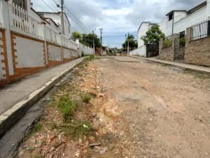El alcalde dio a conocer que se adelantan labores de reparcheo en 7 frentes del municipio.