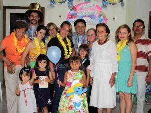 La pequeña Mariana Ordóñez González celebró sus 3 años con una piñata en el Condado Club Campestre juntos a sus familiares.