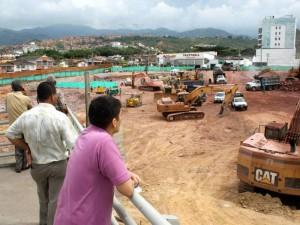 Así avanzan las obras de construcción del centro comercial Parque Arauco,frente al centro comercial La Florida