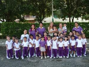 Omaira y sus profesoras llevan 4 meses ensayando la obra con los 32 niños del Gimnasio Los Robles.