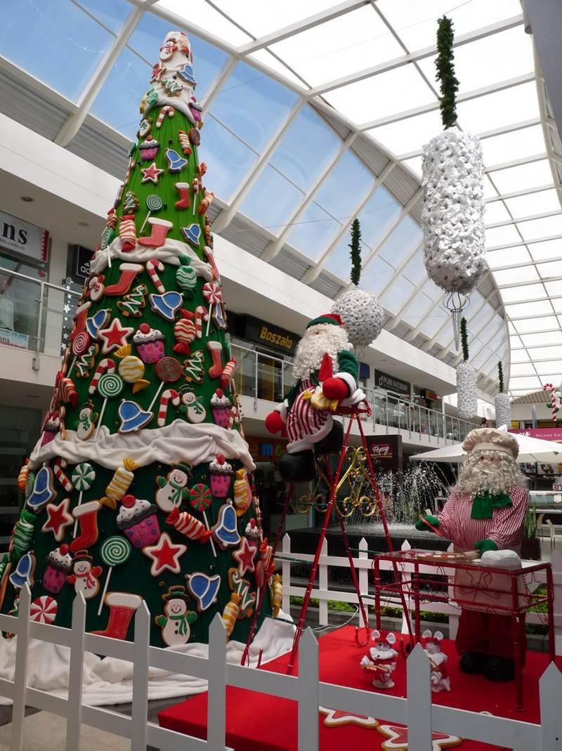 la navidad se 39 col 39 a los centros comerciales en estas