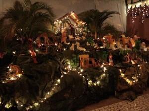 El pesebre es una decoración que se realiza para conmemorar el nacimiento de Jesús.