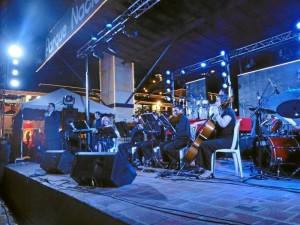 Gabriel Ángel Ruiz puso el ritmo de la música colombiana a la noche.