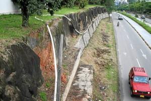 La obra está ubicada en la vía que conduce al colegio Panamericano.