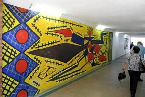 La obra está inspirada en el cubismo y representa una rana Guane.