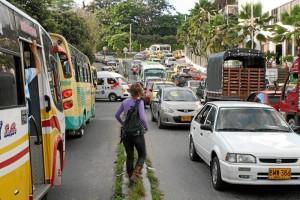 Los peatones resultaron afectados con el trancón que congestionó en poco tiempo las vías de Cañaveral.