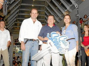 El sorteo se cumplió el sábado pasado en las instalaciones del centro comercial. En él estuvieron Juan Camilo Montoya Bozzi, gerente de Urbanas, Martha Leyder Bautista, gerente del centro comercial y los nueve finalistas.