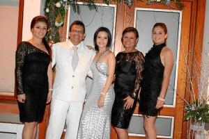 Jenny Peña, Marco Contreras, María Alejandra Contreras, Carmenza Badillo y Laura Centeno,