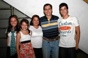 Laura González, María Gabriela González, Constanza Haspiel, Pedro González Ardila y Daniel González.