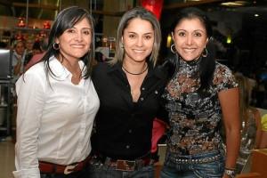 Diana Valencia, Shirly Pérez y Luz Marina Valencia.