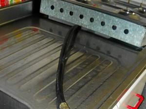 los cambios que deterioran el inmueble es una conexión en el área de la cocina que adicional al daño estético también atribuye un factor de peligrosidad.