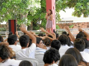 La presentación de Diana Marcela Pinilla del Colegio new Cambridge puso a los espectadores a moverse al ritmo de la música.