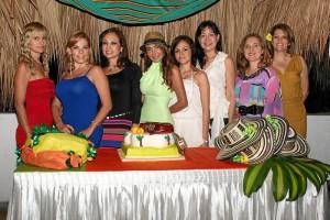 Yolanda Poveda, Janeth Risquet, Nelly Rangel, Johana Ruiz, Esperanza Gómez, Janeth Caselles, Ada Patricia Gutiérrez y Dorita Plata.