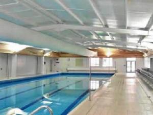 Área de piscinas en Bromsgrove School en Worcestershire, Bromsgrove
