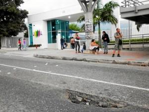 Hueco frente a Condominio La Florida