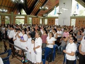 Celebración de la Semana Santa en la Parroquia Santa María del Bosque.