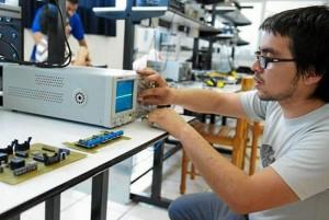 Usta invitó a toda la comunidad a las X Olimpiadas Intercolegiales de Ingeniería Mecatrónica.