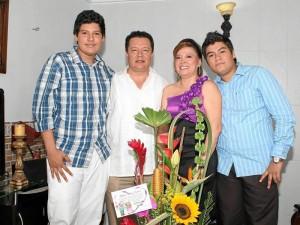 Juan Camilo Colmenares Suárez, Edison Colmenares, Martha Cecilia Suárez y Edison Andrés Colmenares Suárez.