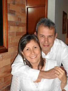 Los esposos Juan Carlos Otero Pinto y Adriana Santamaría R. celebraron sus 20 años de matrimonio con una exquisita cena en La Dolce Vita Ristorante el pasado 11 de abril.