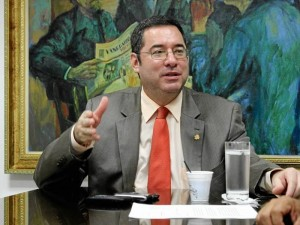 Néstor Castro Neira, gerente comercial del AMB.