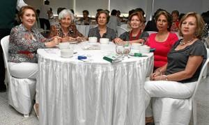 Nelly de Mejía, Carmencita de Camacho, Carmen de Porras, Ángela de Forero, Luisa de Corso y Janeth de Arenas.