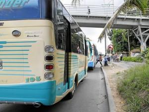 Uno de los tramos más congestionados en los que presenta a diario esta situación es el de la autopista que de Floridablanca conduce a Bucaramanga.