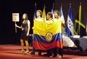 Manuel Fernando Pérez durante la competencia y celebración.