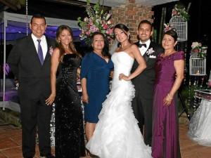 Ciro Mario Romero, Claudia Rincón, Anaí Rincón, Mónica Vergel, Camilo Andrés Calvache y Raquel forero.